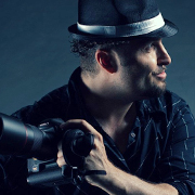 Fotograf Danny Yassaro